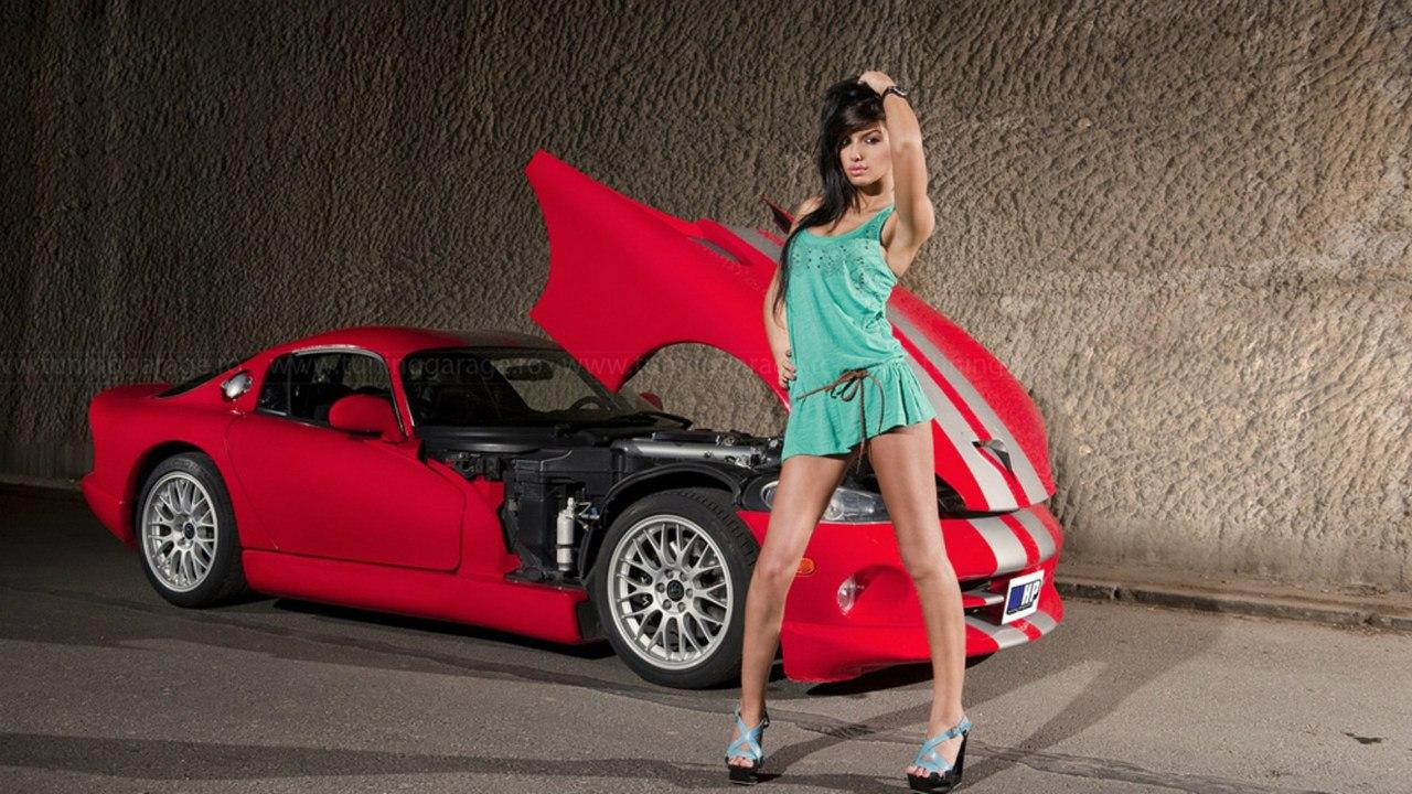 Шикарные девушки и красивые машины 10 фотография