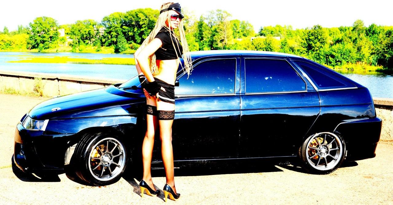 Фото девушки с машиной девяткой